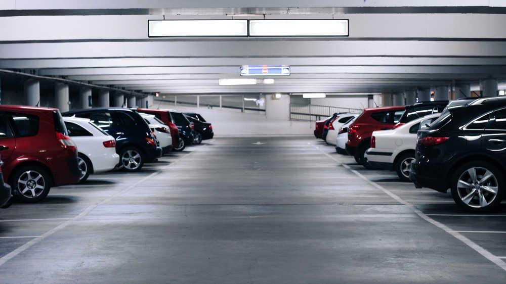 Cosas que debes saber sobre los parkings públicos y comunitarios: no caigas en multas